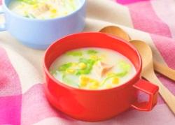 レンジで簡単!ツナとレタスのカップクリームシチュー(5分以下)